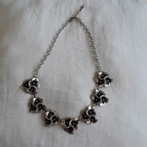 Jewelry - Flower silver statement necklace
